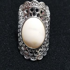 Jewelry - Mother of pearl silver ring